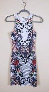 Flying Tomato XS floral patterned dress